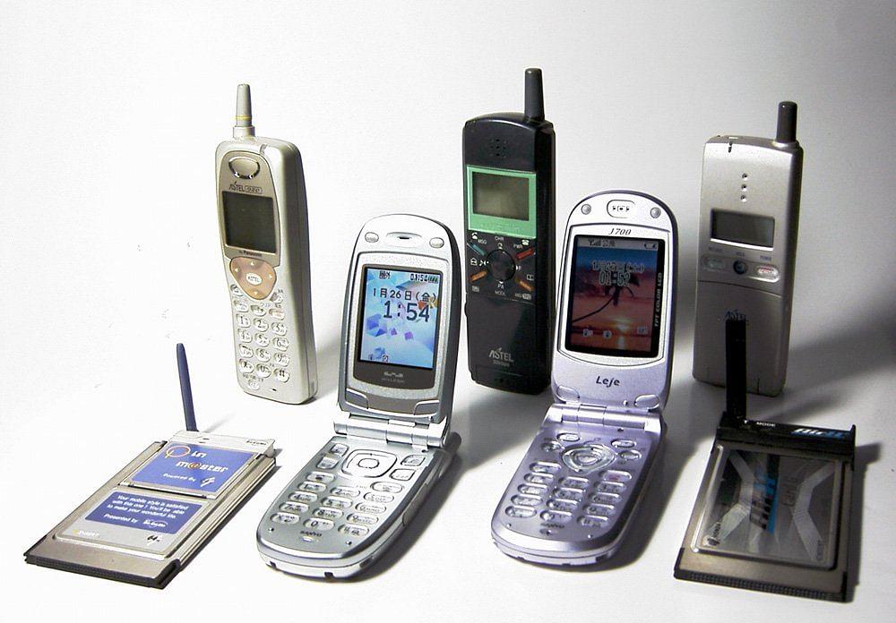 मोबाइल टेलिफोन के भारत आए आज हो गए 25 साल, कौन दो लोग थे जिनके बीच हुई थी पहली बात