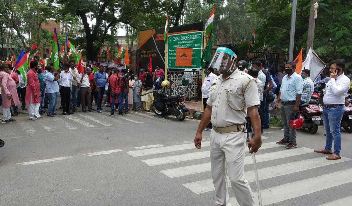 कोल इंडिया में हड़ताल : झारखंड को हो सकता है 61 करोड़ रुपये के राजस्व का नुकसान