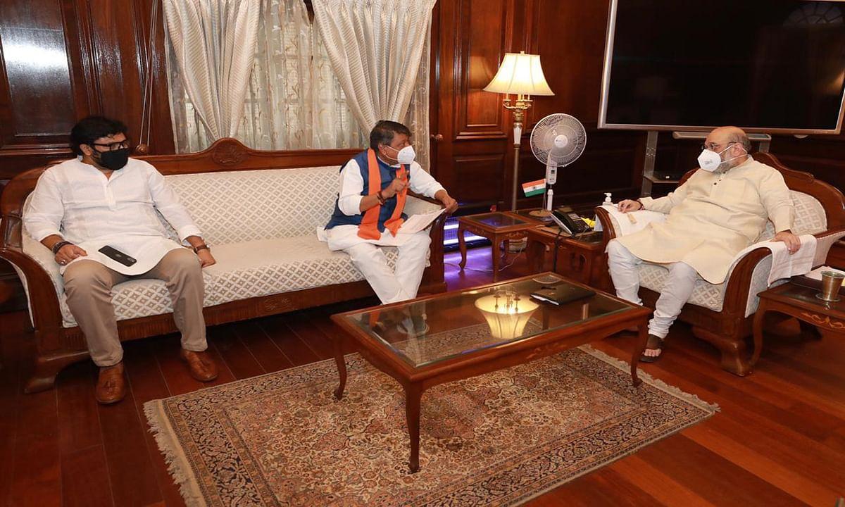 राष्ट्रपति के बाद अमित शाह से मिले भाजपा नेता, बंगाल की स्थिति की दी जानकारी