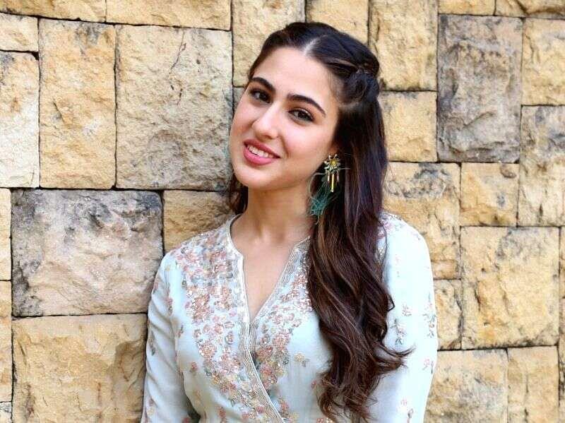 सारा अली खान के ड्राइवर को कोरोना, जानें, परिवार के सभी लोगों की रिपोर्ट