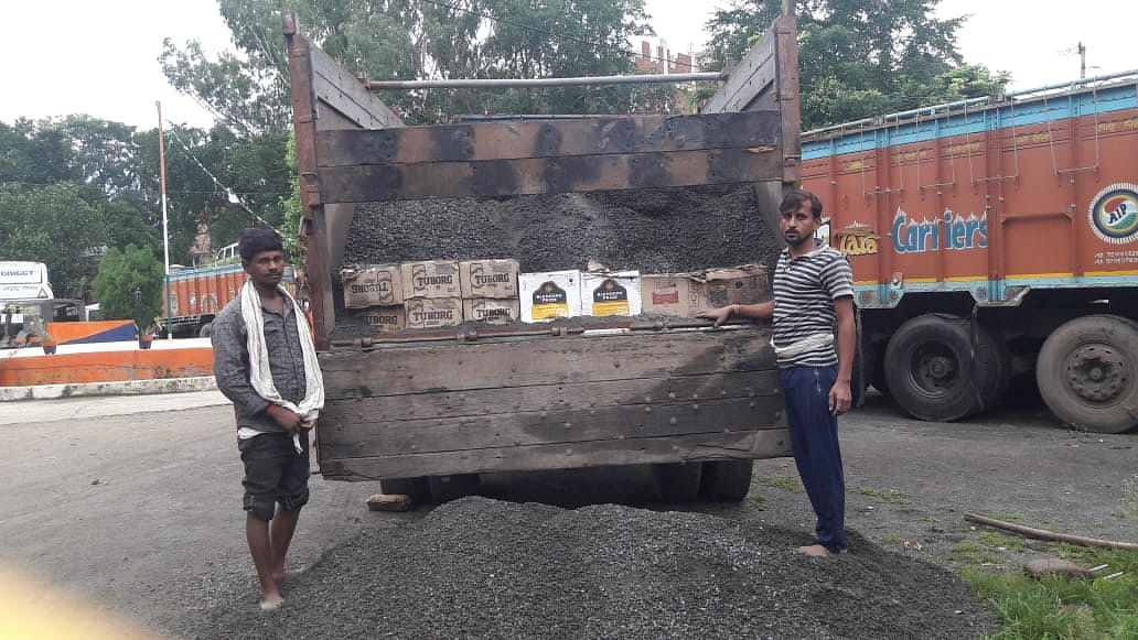 कोडरमा से इस तरीके से बिहार भेजी जाती थी अवैध शराब,  दो तस्कर गिरफ्तार