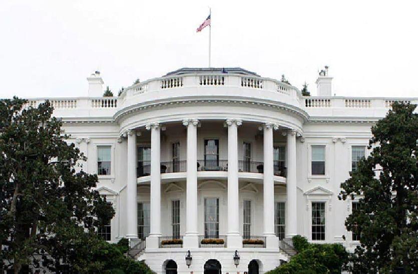 व्हाइट हाउस ने मास्क पर राष्ट्रीय रणनीति को खारिज किया