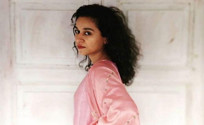 इरफान खान संग काम कर चुकीं अभिनेत्री को मिला शादी का अजीबो गरीब प्रस्ताव, एक्ट्रेस बोलीं- ये कैसा शाकाहारी...