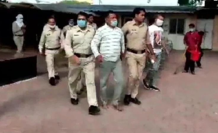 यूपी पुलिस के एनकाउंटर से बचने का उपाय है अपराधी विकास दूबे की गिरफ्तारी, पूरी जांच हो : दिग्विजय सिंह