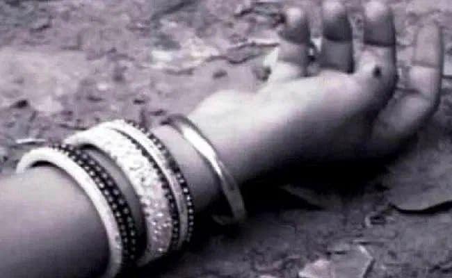 UP News : नाबालिग बेटी की शादी का विरोध करने पर पति ने कर दी पत्नी की हत्या