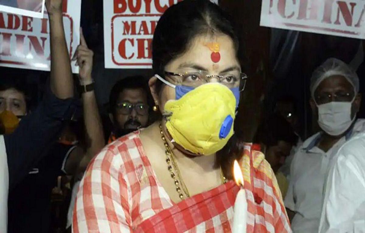बंगाल में BJP सांसद लॉकेट चटर्जी पर होली के बहाने 'जहरीला रंग' से हमला, TMC पर आरोप