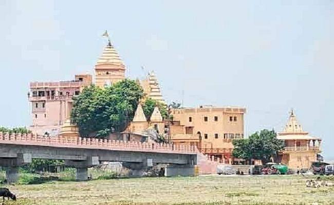 Sawan Somvar 2020 :  सुल्तानगंज से देवघर कांवरिया पथ पहली बार सावन में वीरान, जानिए बिहार के प्रमुख मंदिरों की खबरें...