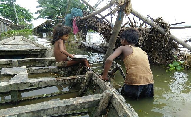 Bihar Floods 2020 : महानंदा व बरंडी के बाद अब कोसी भी लाल निशान से ऊपर, गंगा नदी भी लाल निशान छूने को आतुर