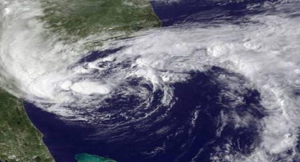 Weather Forecast : बंगाल की खाड़ी के ऊपर बन रहे कम दबाव के क्षेत्र, भारी बारिश की चेतावनी