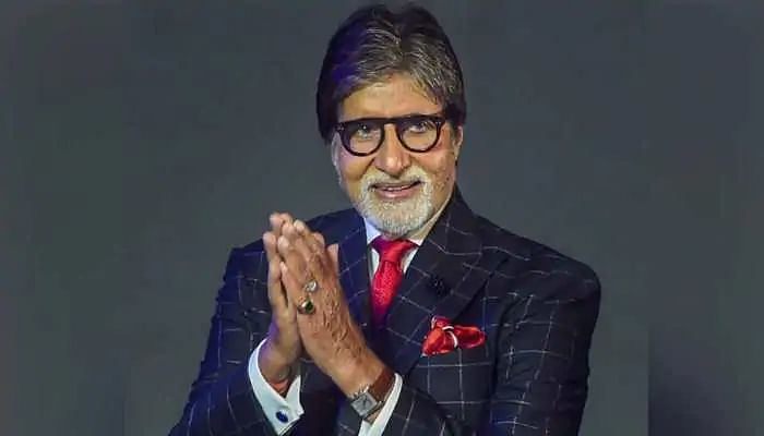 कोरोना से पीड़ित अमिताभ बच्चन ने डॉक्टर्स को बताया 'देवता', कहा- स्वयं को मिटा दिया...