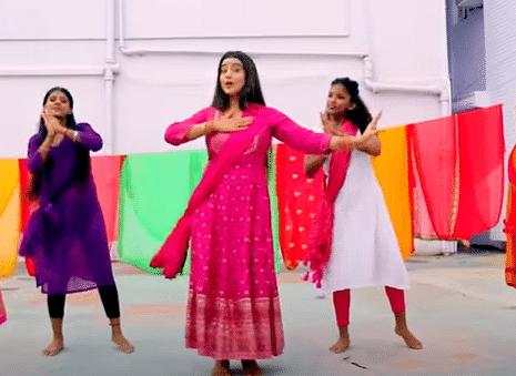 Bhojpuri Sawan Song : रिलीज होते ही धूम मचा रहा अक्षरा सिंह का कांवड़ गीत 'कैलाशी', वायरल VIDEO