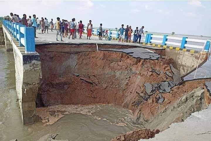 Flood in Bihar : तीन जिलों को जोड़नेवाला सत्तरघाट पुल का संपर्क पथ ध्वस्त, मंत्री नंदकिशोर यादव ने कही ये बात
