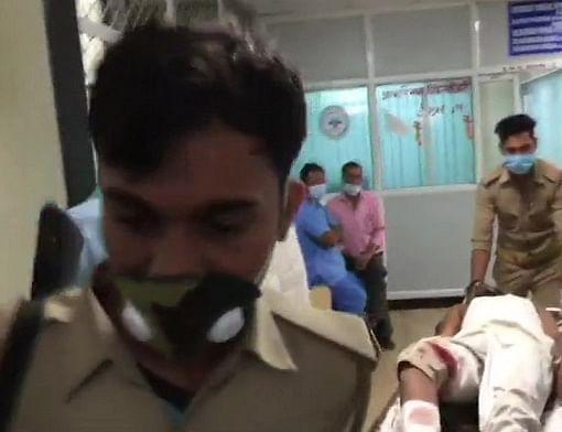 Kanpur Encounter : हिस्ट्रीशीटर विकास दुबे का करीबी श्यामू बाजपेयी मुठभेड़ के दौरान गिरफ्तार, पुलिस ने 25,000 रुपये का रखा था इनाम