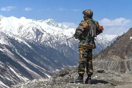 भारत-चीन तनाव के बीच LOC से घुसपैठ की कोशिश, कड़ी निगरानी कर रही है सेना