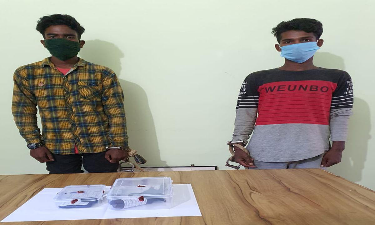 खूंटी के कुल्डा जंगल से 2 पीएलएफआई उग्रवादी गिरफ्तार, बाइक समेत पिस्तौल और गोली बरामद
