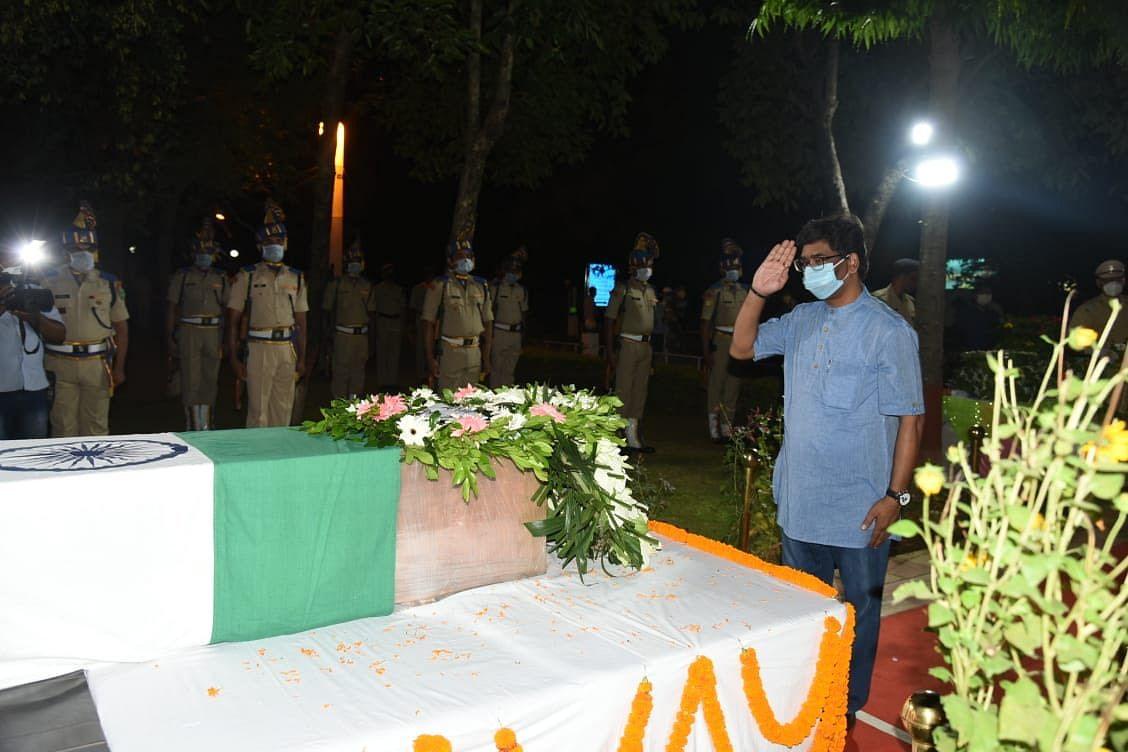 शहीद कुलदीप उरांव का पार्थिव शरीर पहुंचा रांची, सीएम हेमंत सोरेन ने किया नमन, कहा- हर झारखंडी को अपने वीर जवानों पर है गर्व