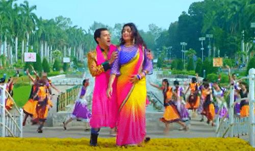 Bhojpuri Song : सोशल मीडिया पर धमाल मचा रहा निरहुआ और आम्रपाली दुबे का ये सॉन्ग, नहीं देखा तो तुरंत देखिए VIDEO