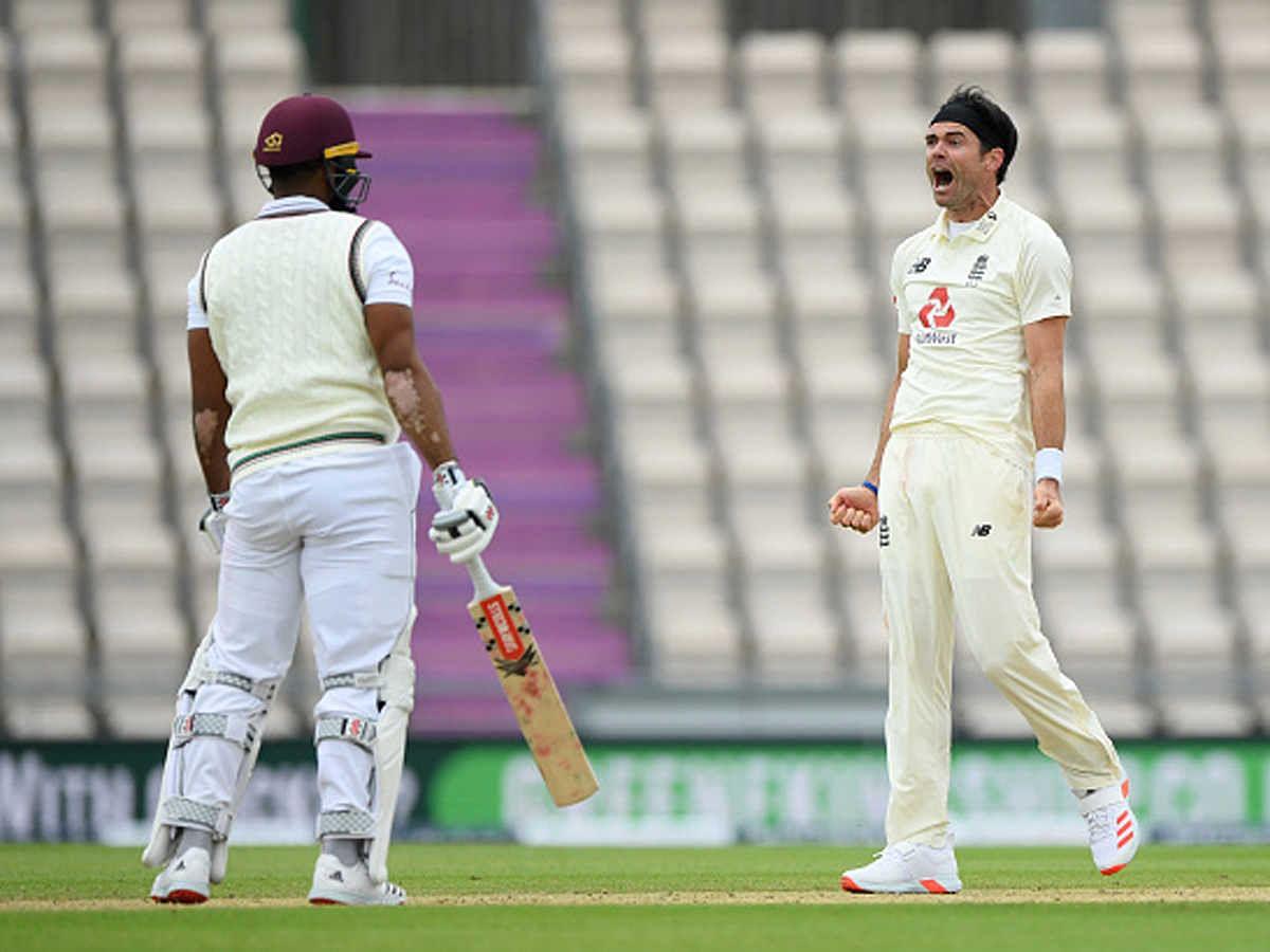 England vs West indies: वेस्टइंडीज ने पहली पारी में इंग्लैंड पर बनाई बढ़त