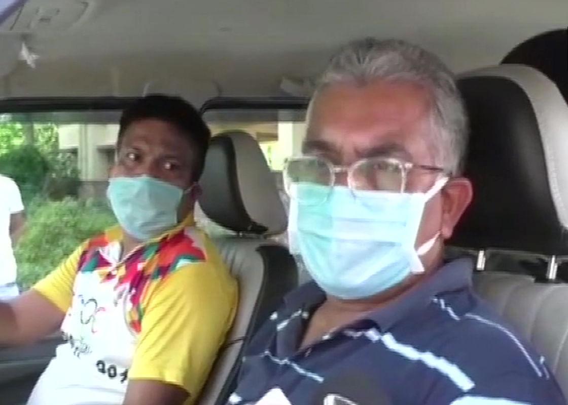 पश्चिम बंगाल में भाजपा प्रदेश अध्यक्ष दिलीप घोष पर तृणमूल कार्यकर्ताओं ने किया हमला!