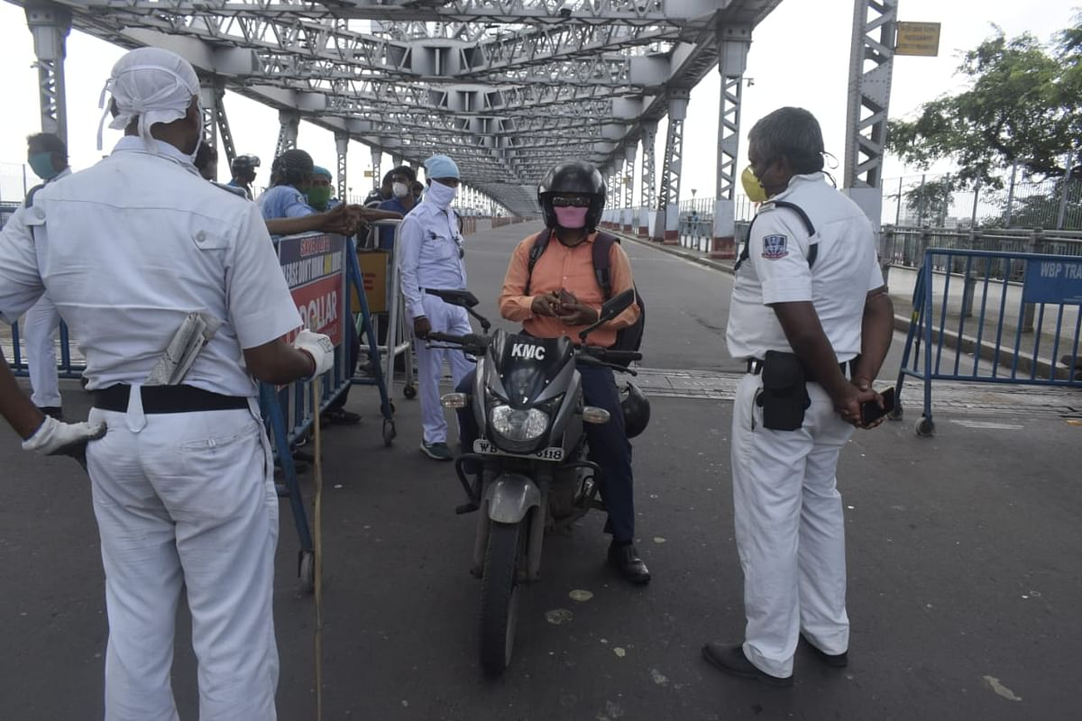 Coronavirus In West Bengal : बंगाल में लॉकडाउन उल्लंघन मामले में तीन हजार से अधिक गिरफ्तार