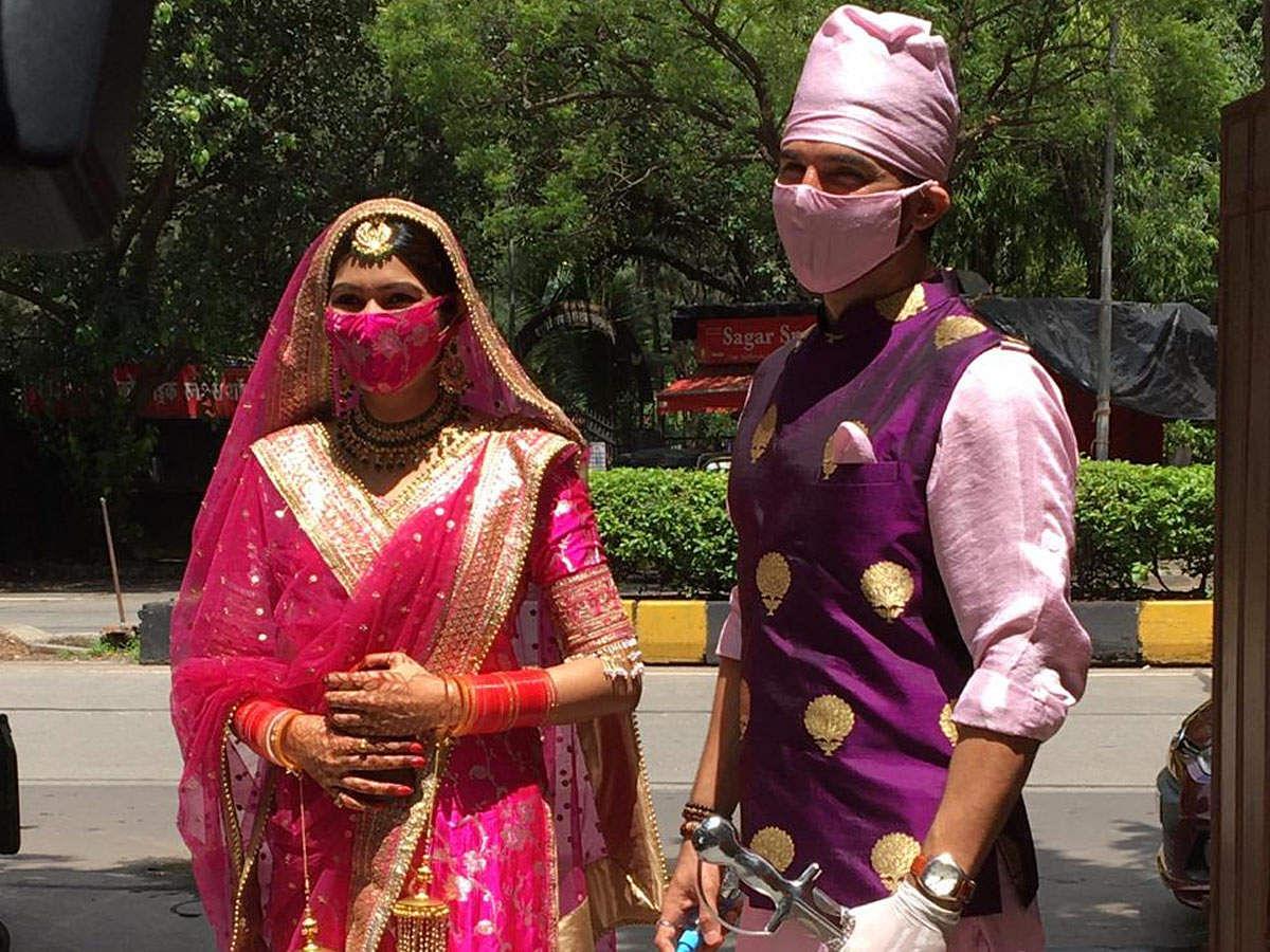 टीवी एक्टर मनीष रायसिंघन और एक्ट्रेस संगीता चौहान ने रचाई शादी, देखें वायरल तसवीरें