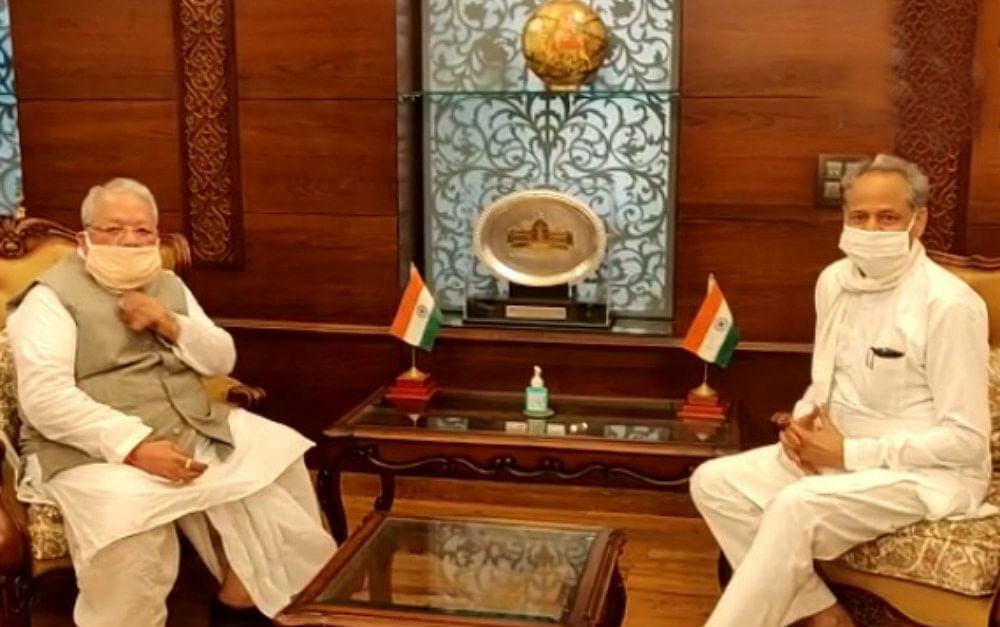 Rajasthan Crisis: राजभवन से भी खाली हाथ लौटे CM अशोक गहलोत, दे डाली यह चेतावनी