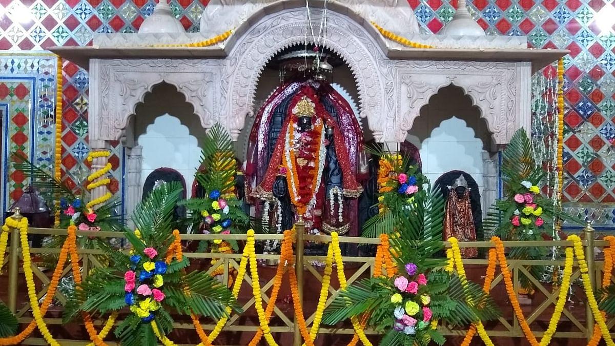 Sawan Somvar 2020 in jharkhand LIVE Update : सावन की सोमवारी पर 70 हजार फूलों से सजा इटखोरी का भद्रकाली मंदिर, कोरोना को लेकर मंदिरों में प्रवेश पर रोक
