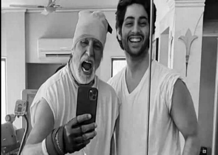 अमिताभ बच्चन के नाती अगस्त्य को मिलने लगे हैं फिल्मों के ऑफर, लुक में बिग बी को देते हैं टक्कर