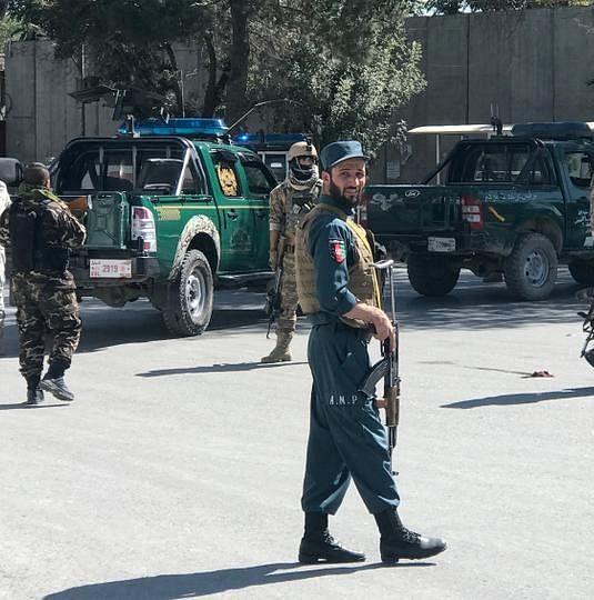 सेना के काफिले पर अत्मघाती ट्रक हमलावरों ने किया धमाका, 8 लोगों की गयी जान