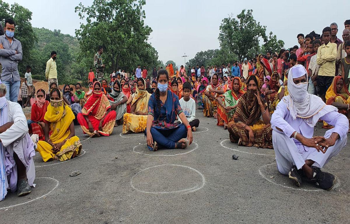 बड़कागांव के विस्थापितों और रैयतों के लिए विधायक अंबा प्रसाद ने शुरू किया रोजगार सत्याग्रह