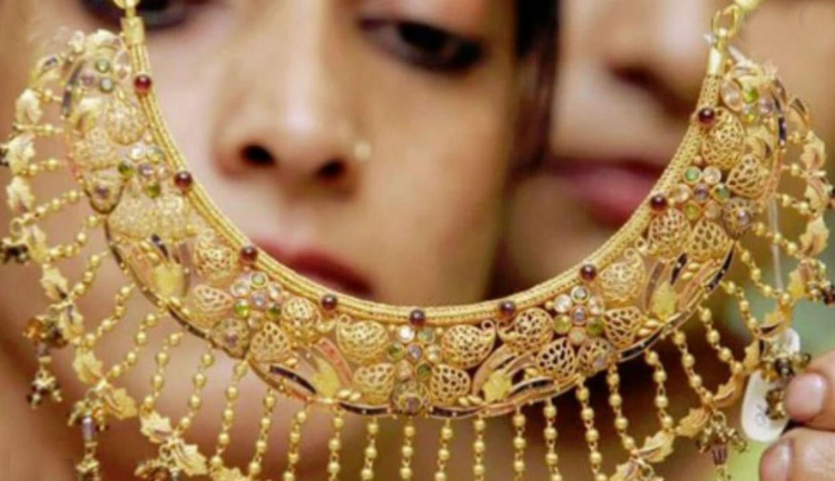 Gold Rate : सोना ने फिर लगायी जोरदार छलांग, चांदी 50 हजार के पार... जानिए भाव