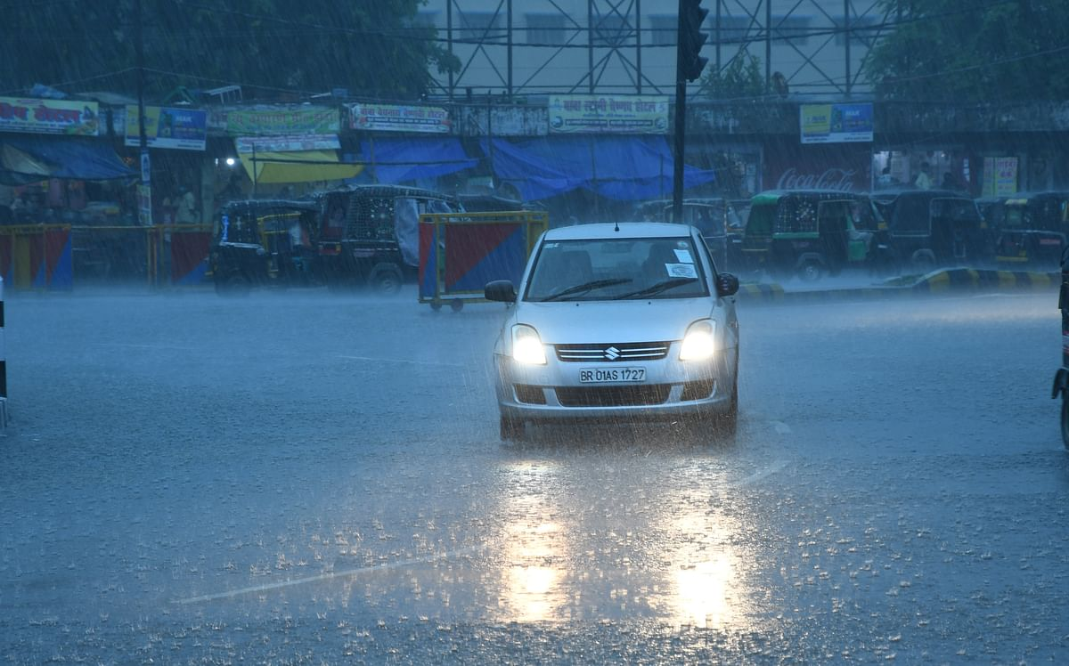 Bihar Weather LIVE Updates : बिहार में अगले 48 घंटे जारी रहेगी बारिश