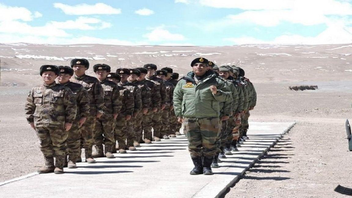 LAC पर नहीं मान रहा चीन, लद्दाख सीमा पर फिर तैनात किये 40,000 सैनिक