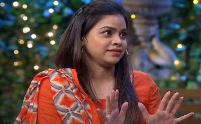The Kapil Sharma Show : क्या सुमोना ने चुरा ली है राहत इंदौरी साहब की डायरी ? यहां देखें VIDEO