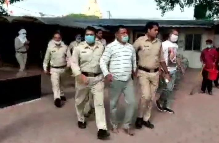 """Kanpur Encounter : """"मैं हूं विकास दुबे कानपुर वाला"""" गिरफ्तारी के बाद चिल्लाया गैंगस्टर"""