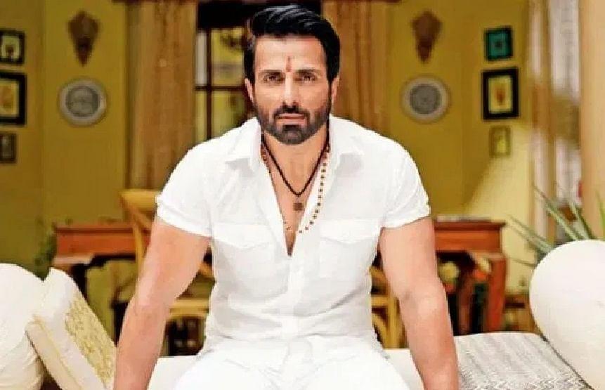 अभिनेता सोनू सूद पर BMC ने पुलिस में दर्ज कराया केस, लगाया ये आरोप