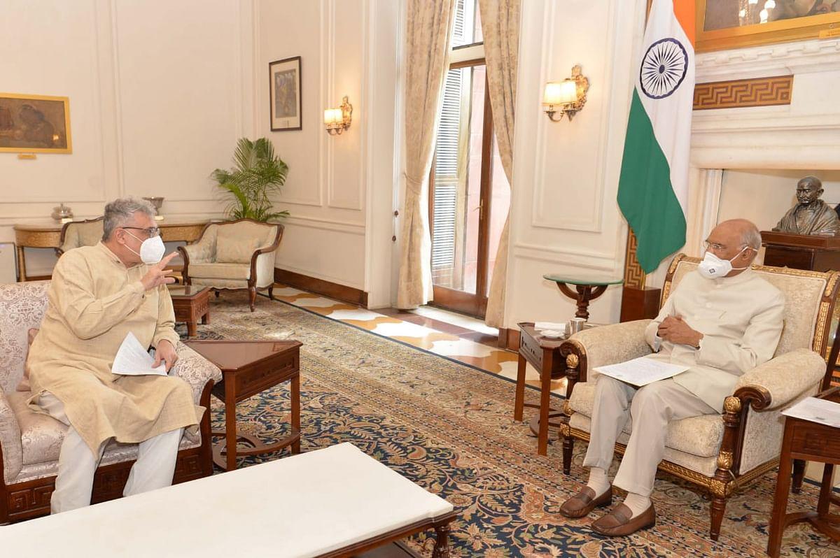विधायक की संदिग्ध मौत का मामला : भाजपा नेताओं के बाद अब राष्ट्रपति से मिले तृणमूल नेता डेरेक, ममता का पत्र सौंपा