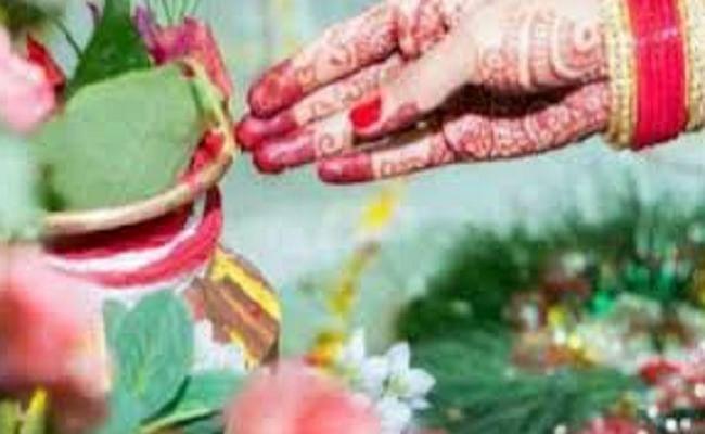 Hariyali Teej 2020: सौंदर्य और प्रेम का पर्व है हरियाली तीज, जानिए समय-शुभ मुहूर्त और पूजा करने की विधि