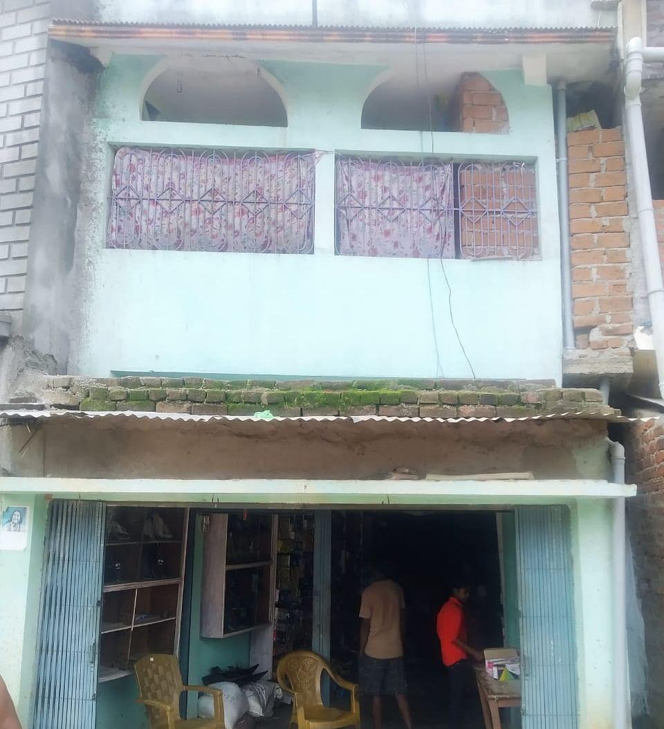 Jharkhand News : अवैध रूप से कार्ड बनाकर 4 साल से उठा रहे थे राशन, प्रशासन ने की कार्रवाई