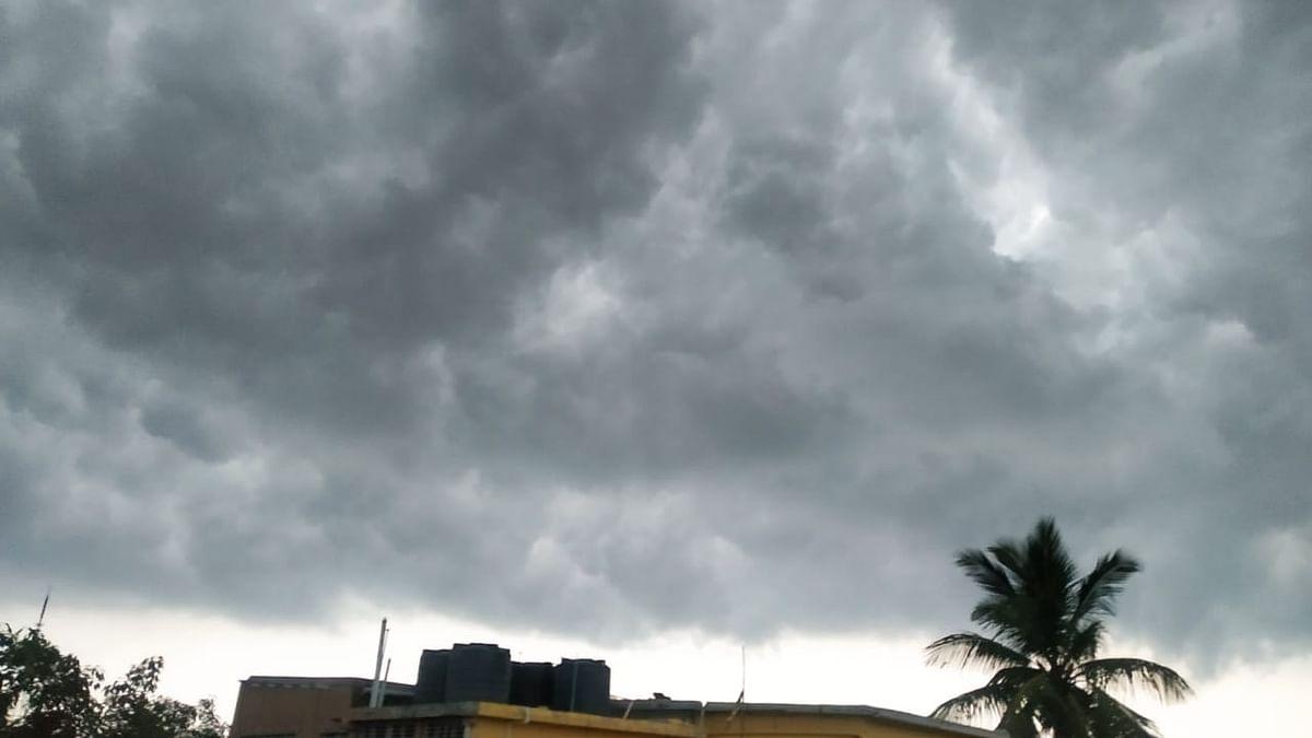 Weather Forecast LIVE Updates Today : दिल्ली में भारी बारिश का पूर्वानुमान, झारखंड बिहार समेत इन जिलों का कैसा रहेगा मौसम