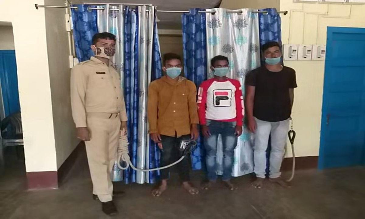 देवघर के 3 साइबर आरोपी जामताड़ा से गिरफ्तार, 90 हजार रुपये नकद के साथ 2 बाईक बरामद