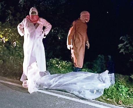 Coronavirus in Bihar: पत्नी को कोरोना संक्रमण की खबर सुन पति की मौत, श्मशान में सात घंटे पड़ा रहा शव