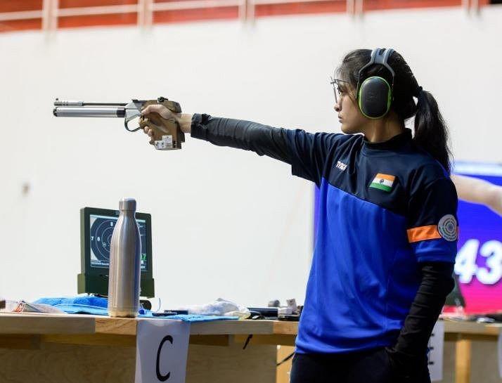 Tokyo Olympics: मनु भाकर के पिस्टल ने दिया धोखा! मनु-यशस्विनी फाइनल में जगह बनाने से चूकीं, भारत को बड़ा झटका
