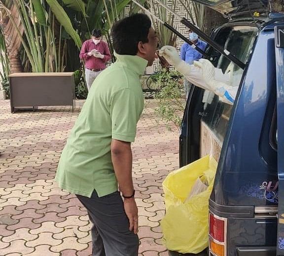 Coronavirus In Jharkhand LIVE Update : झारखंड के सीएम हेमंत सोरेन व उनकी पत्नी ने कोरोना जांच के लिए दिया दोबारा सैंपल, सीएम आवास के कई कर्मचारी हो चुके हैं संक्रमित