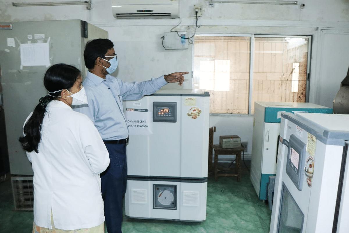 प्लाज्मा के लिये दर- दर भटक रहे लोग, DMCH में धूल फांक रही लाखों की प्लाज्मा सेपरेटर मशीन