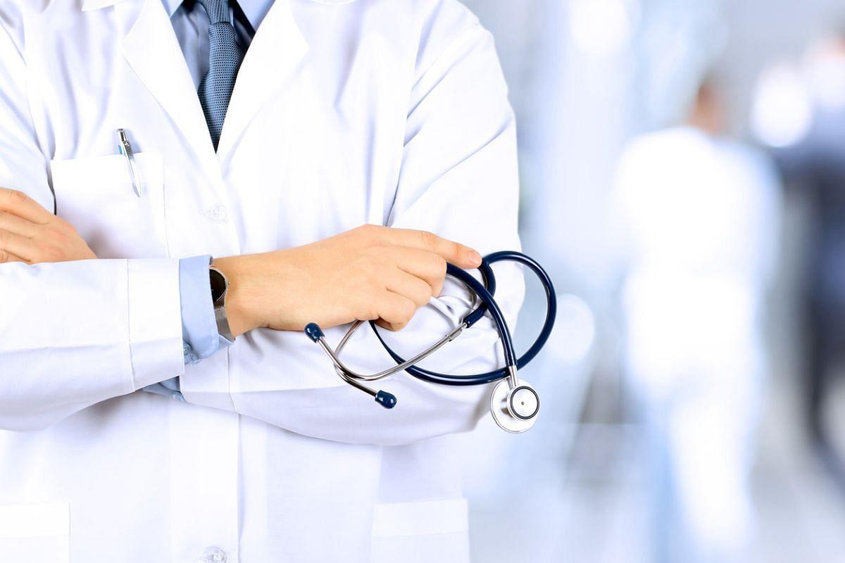 मरीज को बंधक बनाने वाले डॉक्टर और हॉस्पिटल पर मामला दर्ज