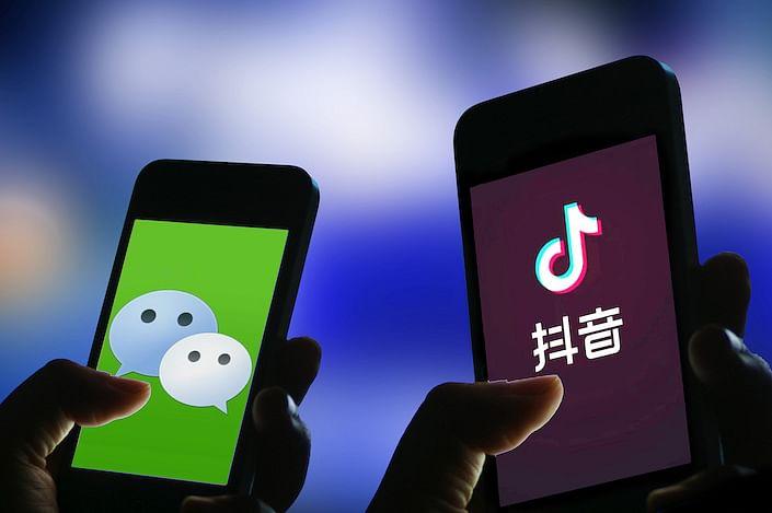 US Ban TikTok, WeChat : ट्रम्प ने टिकटॉक, वीचैट पर प्रतिबंध लगाने के कार्यकारी आदेश पर किये हस्ताक्षर