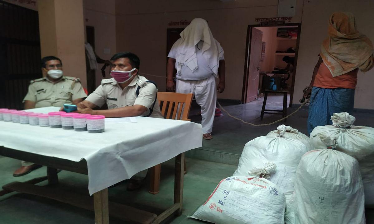 झुमरीतिलैया में करीब 7 लाख रुपये का 62 किलो गांजा बरामद, सगे भाई गिरफ्तार