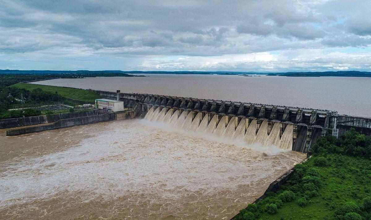 कोरोना संकट के बीच बाढ़ का 'डबल अटैक', इन राज्यों में तबाही का मंजर