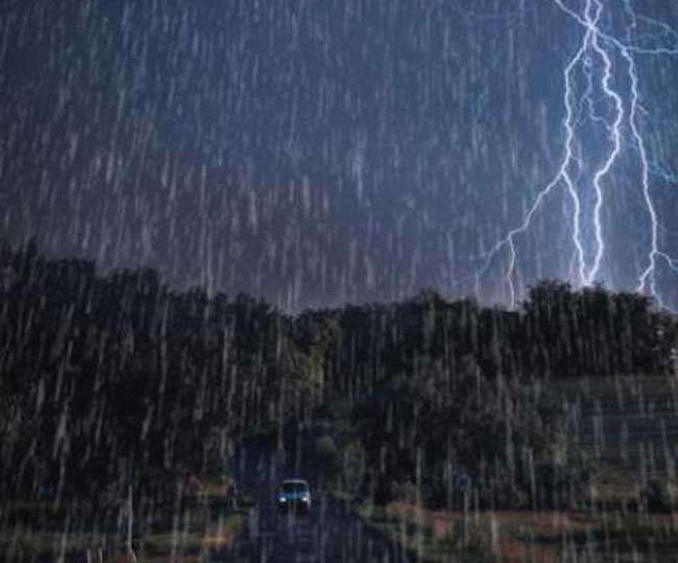 पश्चिम बंगाल के दक्षिणी जिलों में भारी बारिश होने के आसार